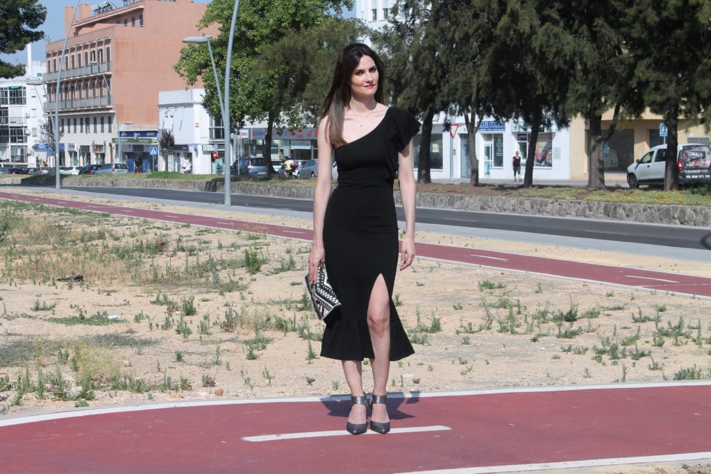 Black Frill Dress Outfit